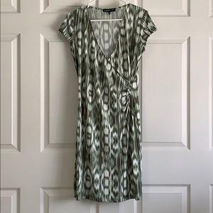 Jones New York Green & White Dress